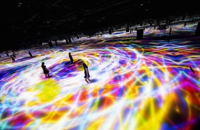 Dance of Koi and People by teamLab